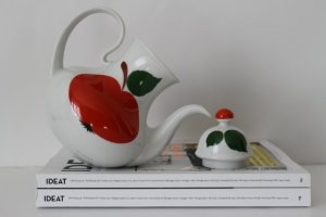 Vintage Porcelain Teapot/Coffeepot - Bavaria West Germany - Red Apple Pattern - 60s